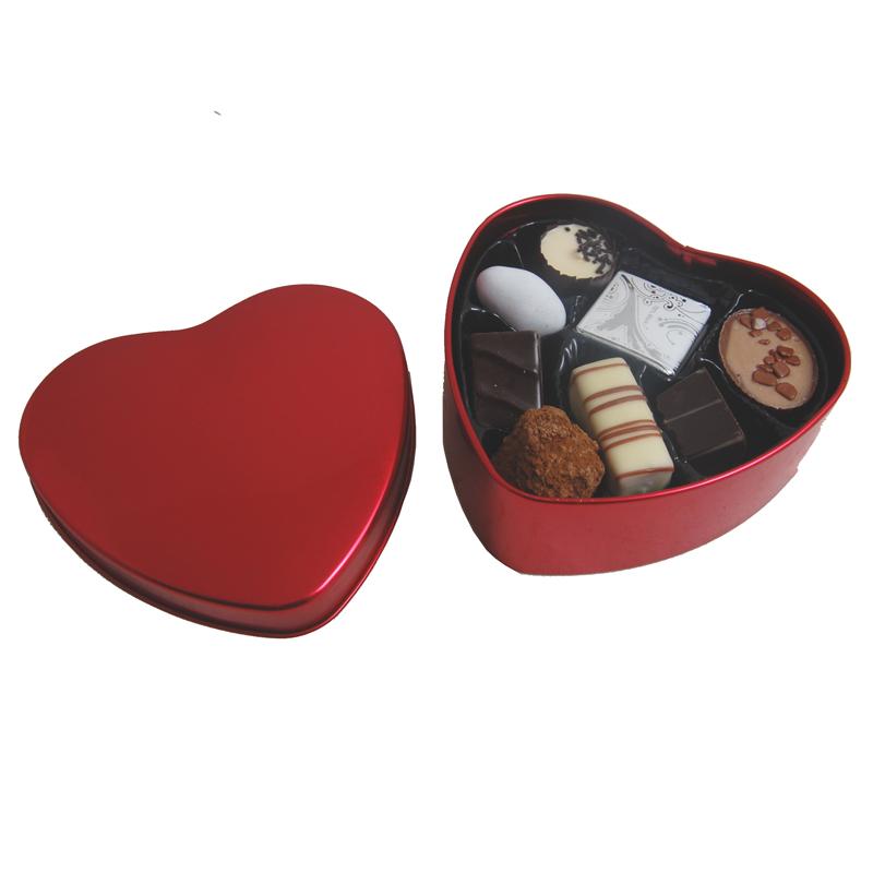 100g Fyldte chokolader i Rød metal hjerteæske